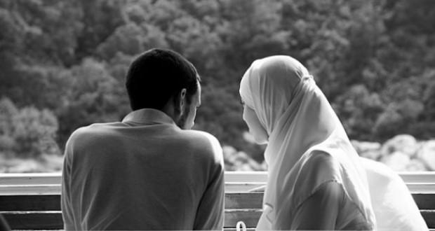 La responsabilité du mari envers son épouse et de l'épouse envers son mari couple-musulman-620x330